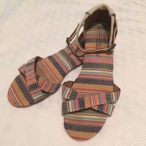 TOMS Correa multicolored striped sandal